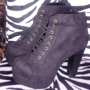 Women's ankle boots size 7